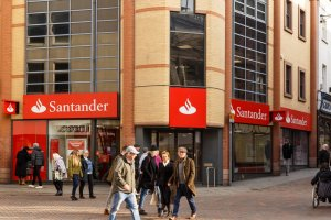 Santander Starts Using Blockchain Technology